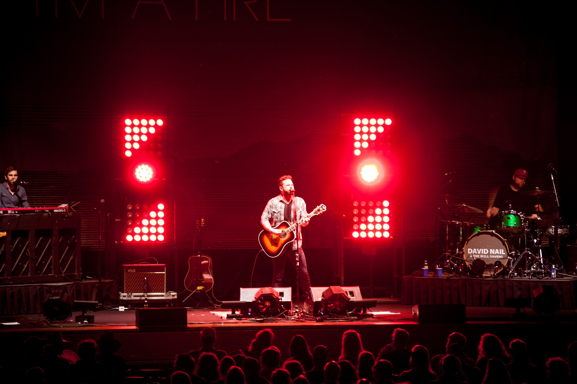 """Elation Cuepix Panels from Arena to Club on David Nail """"I\'m a Fire"""" Tour"""